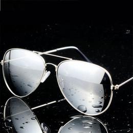 2017 gafas de diseño fresco Gafas de sol de venta al por mayor-Cool para las mujeres de los hombres de la marca de fábrica del diseñador de la vendimia Gafas de sol masculinas de los vidrios masculinos femeninos de las mujeres Goggle de los hombres de las mujeres gafas de diseño fresco limpiar