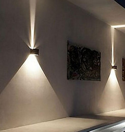 Dans la lumière conduit 6w en Ligne-2017 NOUVEAU cube d'angle réglable de lampe de mur de 6W LED Modern simple vers le haut de décoration extérieure IP65 AC90-260V de bâtiment décoration d'applique MYY