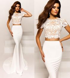 Robe de conception de cristal courte à vendre-2017 design en cristal manches courtes blanc deux pièces sirène robes de soirée en dentelle satin jupe train de balayage formel robes de soirée