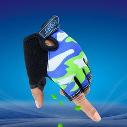 LongKeeper Gants de sport pour les enfants Mitaines Mitaines Enfants Sky Pattern garçons gants sans doigts pour 5-13 ans Kid G109 à partir de garçons doigt moufle fabricateur