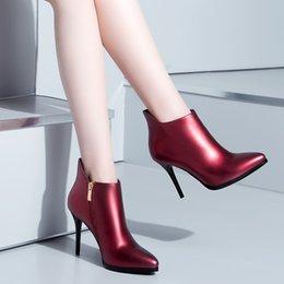 Femmes de luxe de marque en cuir véritable cheville bottes dames en cuir verni à talons hauts sexy formelles chaussures de mariage parti Sapato Feminino à partir de longue en cuir femmes boot fabricateur