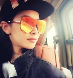 Future Bridge Gafas de sol Mujer 2016 Classic Mirror Lens Oval Italia Diseñador Gafas de Sol Oculos De Sol Feminino desde espejo de cristal clásico fabricantes