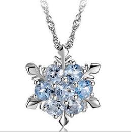 2017 bleu argent Blue Crystal Snowflake Pendentif Collier Pendentif Argent Frozen Style Neige Femmes Noël Cadeau D'anniversaire Bijoux Décoration Hot Sale abordable bleu argent