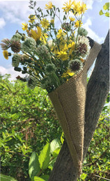 Wholesale Hessian Burlap Hanging Pew Cone wall Organizer Flower Holder Wedding Home Decorations Christmas Birthday Rustic country Flower Holder