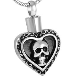 IJD8541 Stainless Steel Cremation Jewelry For Ashes Heart Engraved Skull Necklace Pendant For Men Memorial Urn Keepsakes