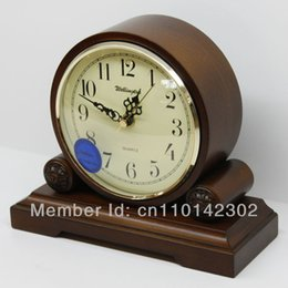 Wholesale Wellington High Quality Wooden European Antique style Super Mute Quartz Clock Desktop Clock Bed Room Parlour Table Clock