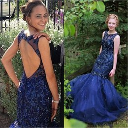 Elegant Navy Blue Prom Dresses 2017 Sheer Crew Neck Lace Appliques Beaded Backless Long Evening Occasion Gowns Cheap