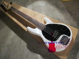 El NUEVO hombre de la música StingRay 5 secuencias de la guitarra baja eléctrica blanca libera el envío desde hombre de raya de música proveedores