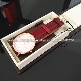 Wholesale Relojes Hombre Blanco Relojes Impermeable De Cuero Rojo Reloj Cuarzo Cuero Manual Tag Herramienta Relogio Masculino Reloj Deportivo