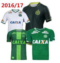 Descuento camiseta para correr verde 2017 Chapecoense AF camisa de fútbol brasil club 3 ª calidad tailandesa fútbol jersey 17 18 hogar verde lejos blanco SoccER Running Wear camisa
