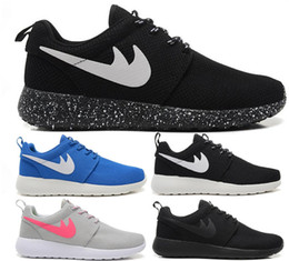 Wholesale New Boy Girl Roshe Run Running Shoes Roshe One Runs Women Athletic London Olympic Rosherun Sports Sneakers Men Black And White