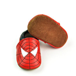 Los primeros zapato de cuero del bebé de los caminantes de los primeros caminante de los caminantes del bebé de las zaleas 0-24M primeros para los muchachos de los muchachos embroma el envío libre de Spiderman desde zapatos de hombre araña para niños fabricantes