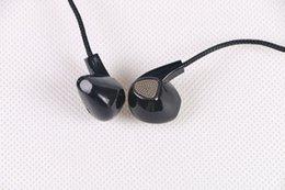 Bajo plano en Línea-M-99 Auriculares con auriculares Música con auriculares de línea de trigo Auriculares con cable Negro Color Bajo Aplicación Sonido de oído plano A3
