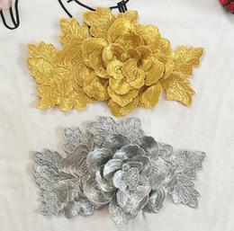 Cosiendo flores 3d en Línea-Los remiendos bordados 3D de la flor de la astilla del oro cosen en remiendos de la ropa DIY para la camiseta del vestido remiendo del 21x13cm para la ropa Decalque decorativo