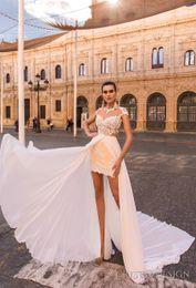 Robe de conception de cristal courte à vendre-Ivoire robes de mariée courtes avec une ligne overskrt 2017 cristal design nuptiale mini jupe capuchon manches serrure sweetheart décolle robes de mariée