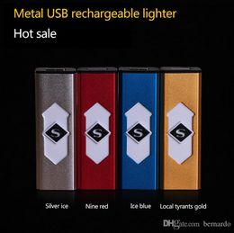 USB chargement électronique briquet cigarette allumeur cadeaux d'affaires en gros peut personnaliser les fabricants de logo vendant peut sur un avion à partir de logo d'entreprise cadeaux fabricateur