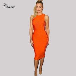 2017 robes moulantes kardashian Vente en gros-2017 Nouveau Hiver Vestidos Hollow Out Bodycon Bandage Robes Femmes Mid Veau Sexy Soirée Soirée Sleeveless Khloe Kardashian Robe robes moulantes kardashian offres