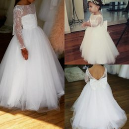 2019 New Flower Girl Dresses Bateau Neck Backless Girls Pageant Dress Floor Length Long Sleeves Pageant Gowns For Teens