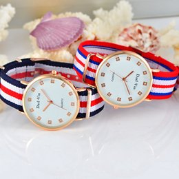 New Classic Brand Nylon Strap Watches Man Women Ultra Silm Gold Quartz Watch Wristwatch Fashion Casual Men wristwatch