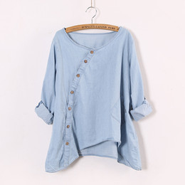 2017 nueva inclinación Johnature 2016 Nueva camisa de mujeres Slant Oblique Button Irregular Plus Size Roll Up Manga Wash Blue Pocket Loose Casual Top Blusa barato nueva inclinación