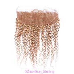 Miel rubia pelo rizado virgen en Línea-El pelo humano brasileño rizado tece el cordón frontal 27 # del cordón El pelo rubio de la miel con los frontales 13X4 del cordón