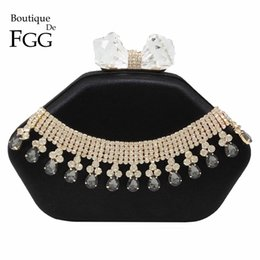 Les femmes d'embrayage formelle à vendre-Femmes Femmes Acrylique Crystal Tassel Formal Noir Satin Sacs De Soir Wedding Party Dinner Metal Embrayages Shoulder Handbags