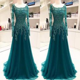 Vintage Hunter Green Long Sleeves Mother of Bride Groom Dress Formal Saudi Arabic Mideast Scoop Neck Appliqued Long Evening Gowns Vestidos