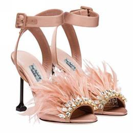 Promotion perles de diamant hauts talons 2017 Nouvelle Arrivée Mode Vert Diamant Aigrette Plume Bouche De Poisson Talons hauts Exposé Toe Perle Sandales Sexy Diamond Fine Sandals Chaussures