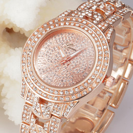 2017 Fashion Luxury Women Watches Geneva Watch Rose gold Full Steel Lady Quartz Diamond Watch Rhinestone Dress Women's Wristwatches