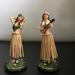 100pcs Artware Ornament Dancing Hula Gilrs Swing Dolls Toys Home&Car Decoration Novelty Dancing Girl Dolls 11cm