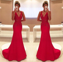 2017 Gorgeous Red Mermaid Evening Dresses Sexy V Neck Appliques Long Party Prom Gowns Celerity Formal Wear Bridal Reception Dresses BA4462