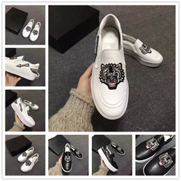 Broderie chaussures plates en Ligne-2017 New Spring Tiger broderie à deux couleurs chaussures décontractées. Pour femmes en cuir véritable Mariage à la mode