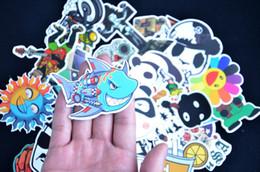Mélanger le cas de la mode en Ligne-Film de musique aléatoire Vinyl Guitar Travel Case Stickers Car Bike Travel Suitcase Stickers de téléphone Mix Lot Fashion Cool (100PCS)