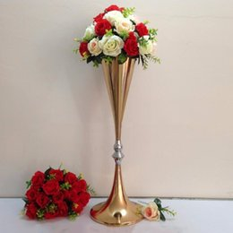 no the flowers including)Gorgeous wedding flower stand centerpiece