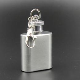 2017 alcool trousseau 1oz en acier inoxydable mini flacon anneau porte-clés design bouteille de vin portable Whisky Liquor Alcohol Pocket Hip Flask pour la bouteille d'extérieur d'huile de partie bon marché alcool trousseau