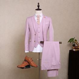 Los nuevos hombres del estilo rosado de los nuevos hombres del estilo se adaptan al solo smoking de la boda del novio de Worsted del botón de Breasted (Jacket + Pants + Vest + Bow Tie) desde lazo formal de color rosa proveedores
