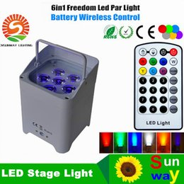 Wholesale 8XLOT WHIT Charging road case RGBWA UV IN1 Battery Wireless Led Par Light DMX CH American Dj Freedom Led Par Cans
