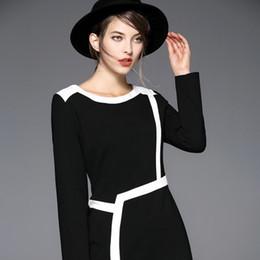Korean women s dress On-line-2017 Outono Coreano New Style Mulheres Temperamento Long Slim Pacote Quadril Carreira Vestido Colar Rodada S-XL Preto-Branco Rayado Frete Grátis