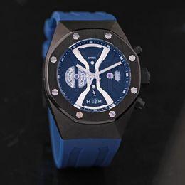 Hommes robe gros de montre à vendre-Vente en gros AAA Limited de qualité supérieure mode homme montre quartz forme irrégulière habillement en caoutchouc sport décontracté Lot montres-bracelets pour homme
