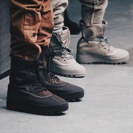 Aumento de la altura del tobillo de los zapatos de alta hombres en Línea-Las nuevas 2016 botas de tobillo de alta calidad 950 Aumentar las tendencias de la moda Altura negro Aumentar los hombres de zapatos Zapatillas de lona casual Botas de nieve al aire libre