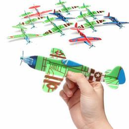 2017 planeadores de bricolaje Venta al por mayor-30Pcs DIY vuelo planador avión aviones educativos niños al aire libre diversión juego de juguete planeadores de bricolaje limpiar