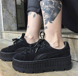 2017 Cheap Discount Buty Fenty Rihanna Creeper Fashion Men Women Black White Wrinkled Patent Leather Velvet Casual Shoes Trainers Size 36-40