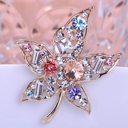 Wholesale Luxury Rhinestones Plant Flower Brooch For Women Multi Color Maple Leaf Broche Pins Dress Costume Jewelry Bijoux Pour Femme Uk