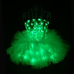 Vinaigrette en Ligne-YB143 LED Light-UP Bracelet en fleur Luminous LED Dress sans fil programmable LED Custom Dress pour vêtements de scène