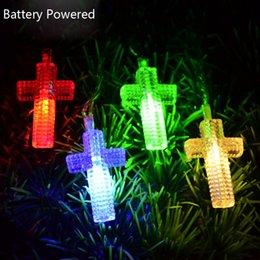 Descuento luces de hadas blancas con pilas Venta al por mayor- luces de hadas con pilas para navidad Cruz cristiana con cadenas de luz blanca / azul / RGB cadenas de luces de vacaciones