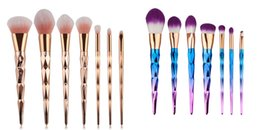 2017 Ensemble de brosse à maquillage spirale New Unicorn Vander 7pcs Brosse à miroir à visage creme Beauté polyvalente Cosmetic Puff Batch Kabuki Blusher à partir de brosses 7pcs fournisseurs