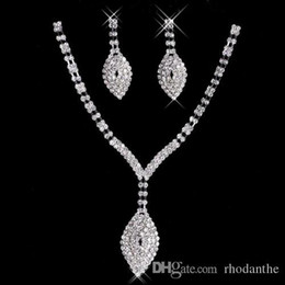 2017 New Rhinestone Cristaux Jewelry Set Cheap Fashion Wedding Evening Prom Accessoires formels Hot Sale Free Shipping Necklace cheap wedding sets sale à partir de mariage met en vente fournisseurs