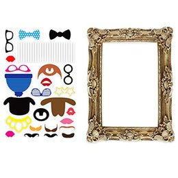 Wholesale Lincaier Party Photo Booth Props With Antique Paper Frame for Wedding PhotoBooth Birthday Funny Event Decoration