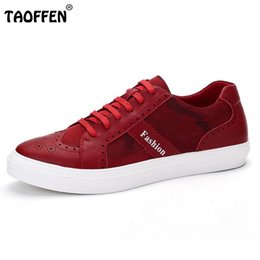 Rouges à semelles chaussures habillées à vendre-Hommes Chaussures Casual Suede Respirant Haute Qualité Mode Marcher Hommes Chaussures Board Noir Rouge Pour Hommes Chaussures En Solde Caoutchouc Sole