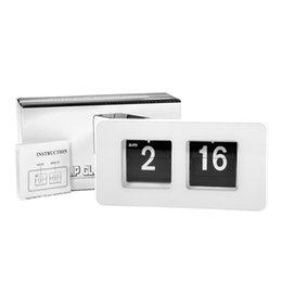 Wholesale White Fashion Retro Auto Flip Clock Classic Modern Desk Table Clock Retro File Down Page Clocks Home Decor